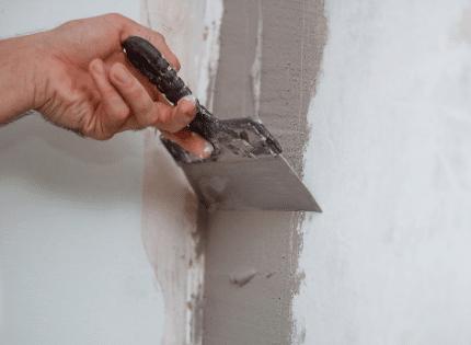 contractor sealing foundation cracks
