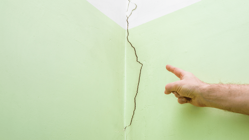 crack in the corner of the room