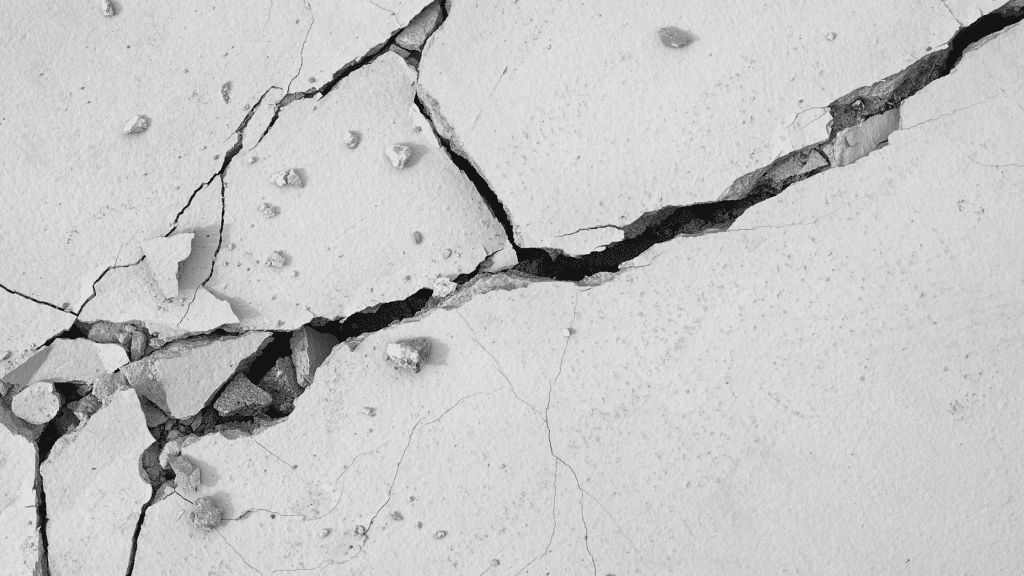 diagonal cracks in the foundation