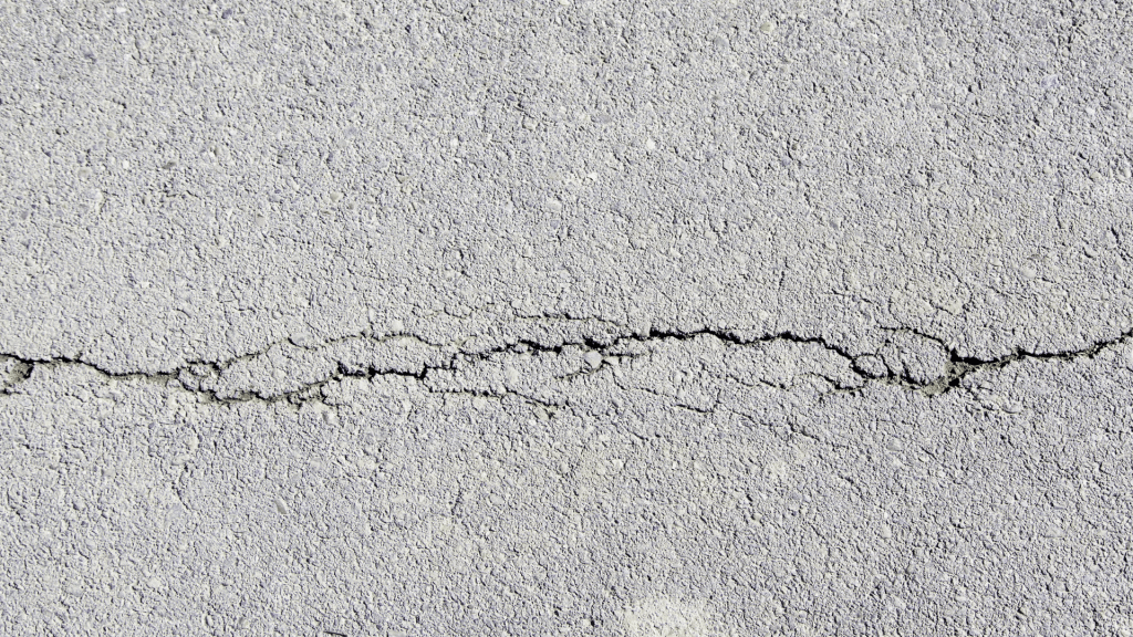 horizontal cracks in foundation wall