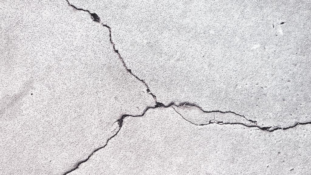 slab cracks