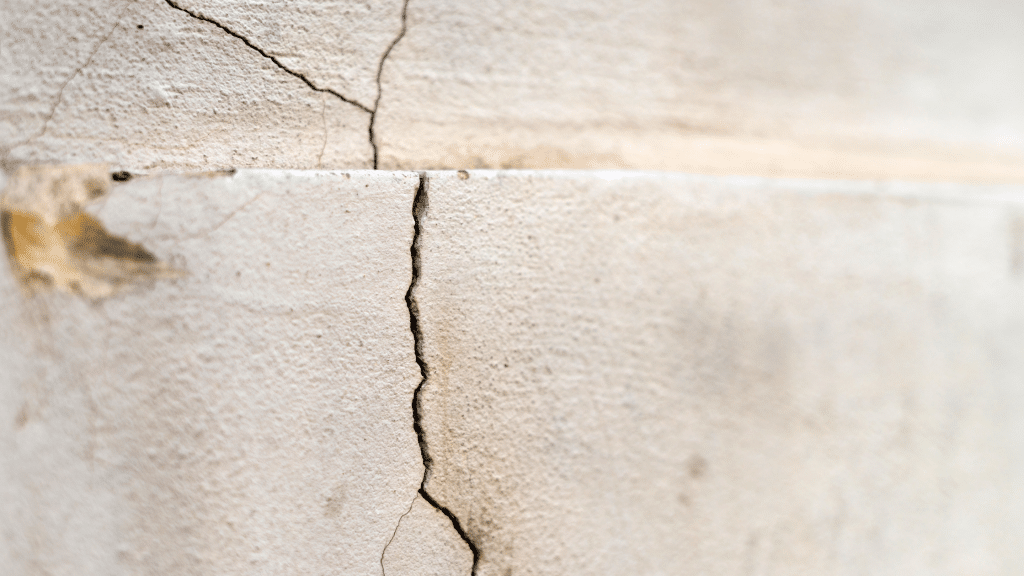 uneven cracks on the wall