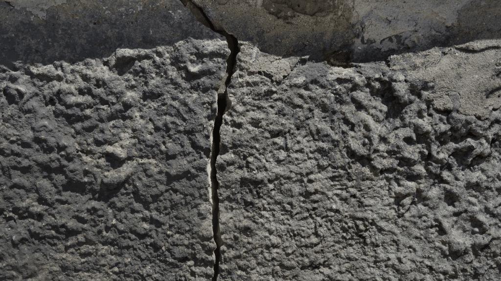 wide floor crack